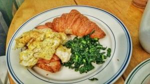 Salmon pastrami croissant